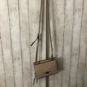 Small tan/pink crossbody bag with zipper